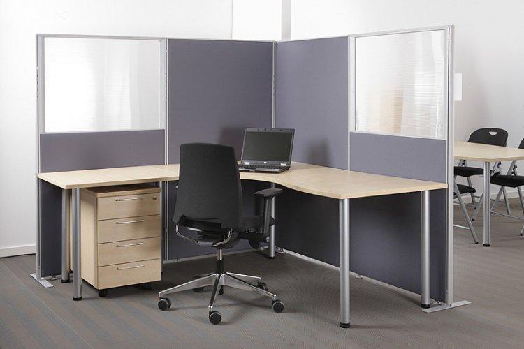 Sermi Economy seinäke lasilla toimistoon nyt tarjous hinta, hyvä sermi ja seinäke lasilla edullisesti, sermit ovat harmaita ja lasiseinäke on laadukas tilanjakaja eli sermi työpöydälle, tilanjakaja lasiseinäkkeet toimistoon hyvään tarjous hintaan