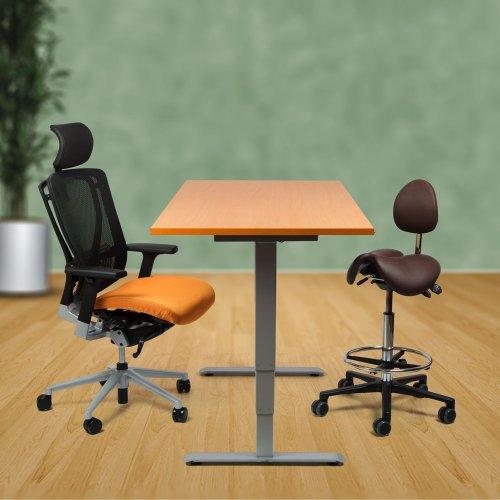 Ergonominen sähköpöytä / tietokonepöytä satulatuolikorkeudella tarjous hintaan kotiin, hyvä Linak muisti sähköpöytä hinta kampanja eli seisomapöytä toimistoon edullisella hinnalla, atk-pöytä on paras ergonomia sähkötyöpöytä hinta ja paras tarjous