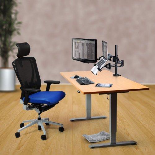 Economy edullinen seisomapöytä hinta alessa muisti sähköpöytä toimistoon ja kotiin, sähköpöydän runko ja hyvä Ergonea työtuoli, näyttöteline Fellowes monitorivarsi ja Gymba lauta tarjous hintaan muistipaikat kolme