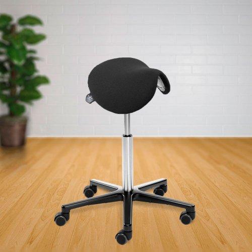 Satulatuoli Ergonea Luxe Basic on ergonominen ja kotimainen naisille sopiva edullinen tuoli mustalla kangasverhoilulla