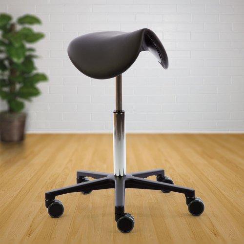 Hyvä, kotimainen ja Aktiivinen satulatuoli keinuva Ergonea Pilates swing musta nahka hinta tarjous toimistoon